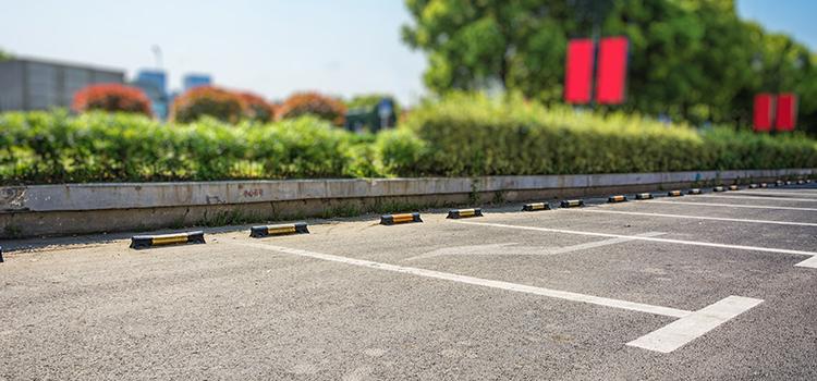 Nu mai trageți pe dreapta dezbaterea publică pentru parcări!