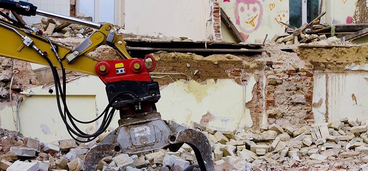 Clădirile istorice din Oradea riscă să devină istorie